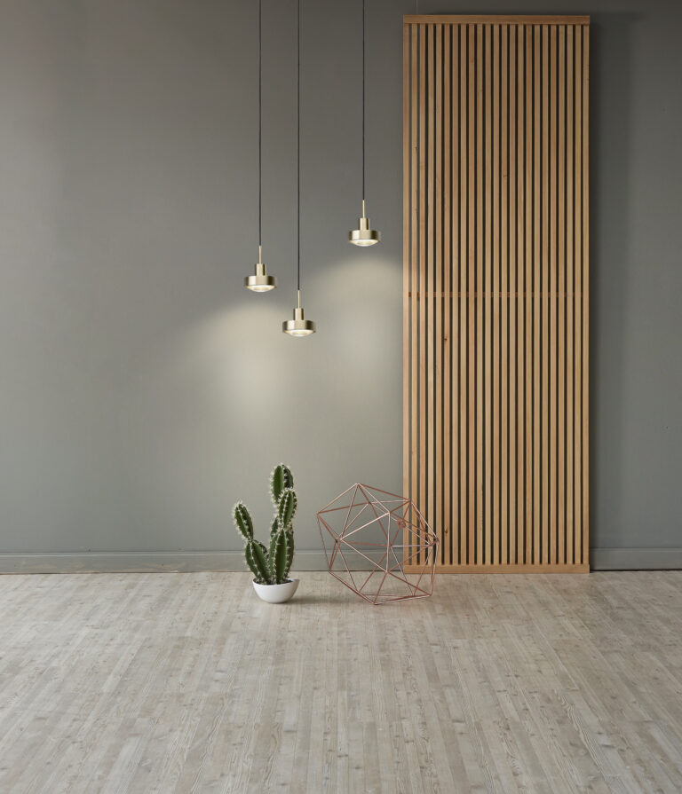 ANTIDARK VIP_brass_wall_wood_deco_flat